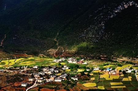 尼西黑土陶之乡——汤堆村