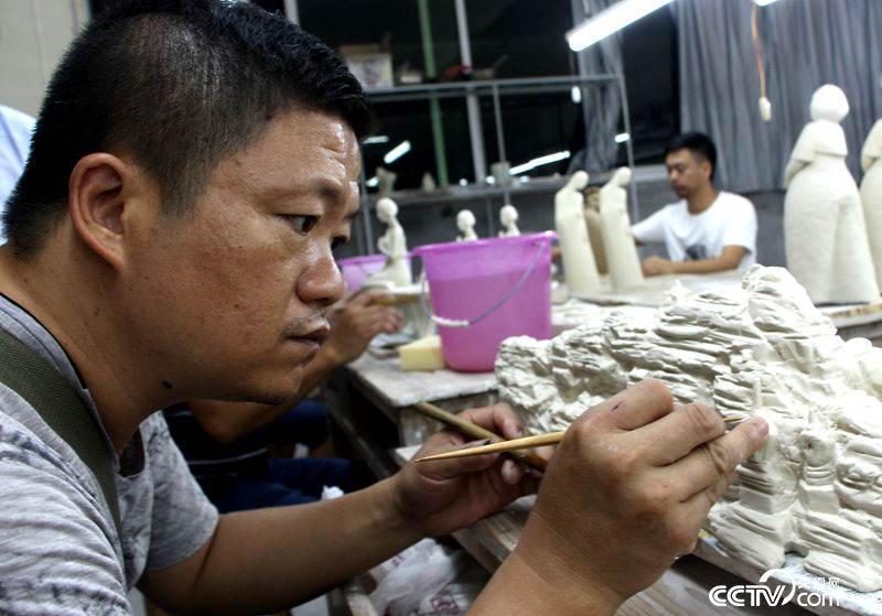 参加德化瓷研培计划的一名学员 (王甲铸 摄)