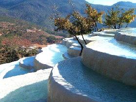 地质奇观白水台