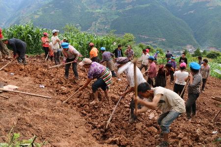 拉嘎洛村脱贫攻坚项目有序开展