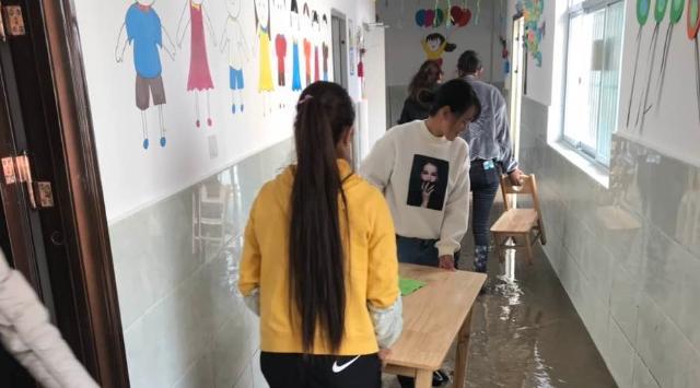奔子栏镇叶央村幼儿园各项灾后重建工作正有序开展