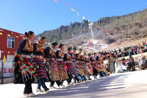 """那格拉村举办第三届""""嘉秀宗卓""""民族民间传统文化节"""