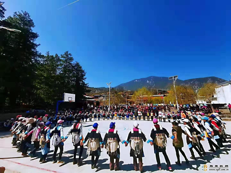 三坝乡群众欢度二月八