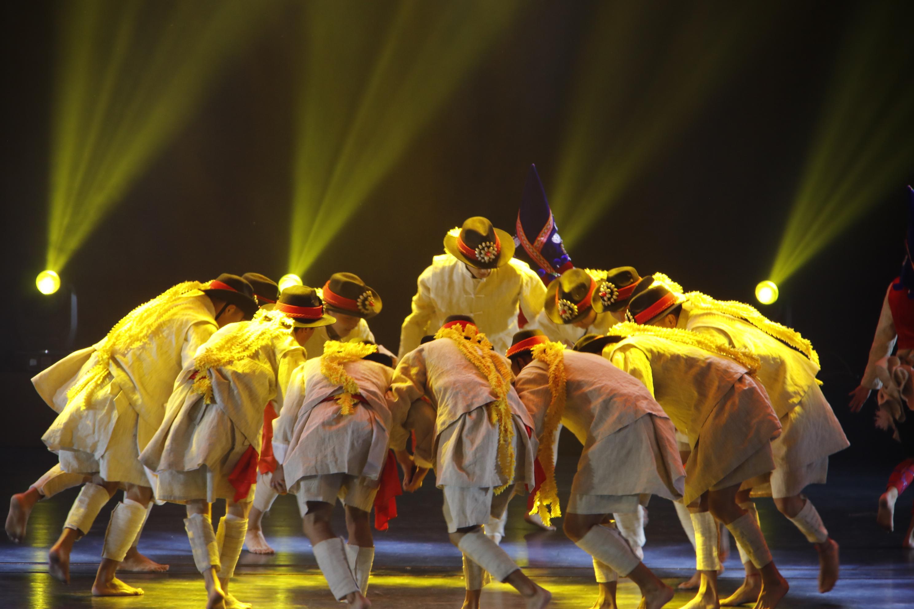 迪庆香格里拉机场通航20周年迎宾晚会精彩纷呈