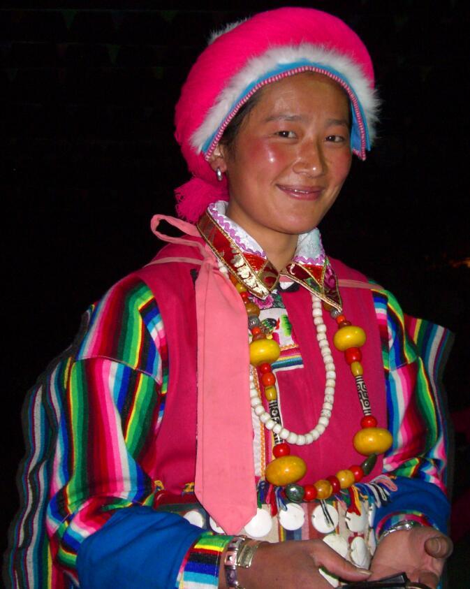 尼汝藏族帽饰