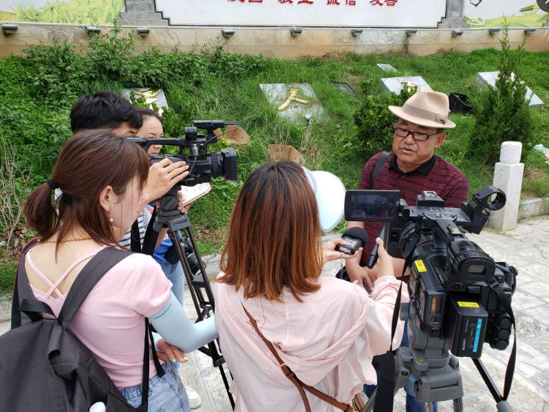 """记者再走长征路""""主题采访媒体团到我州采访"""