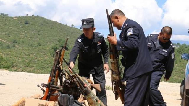 迪庆警方集中销毁一批枪爆危险物品