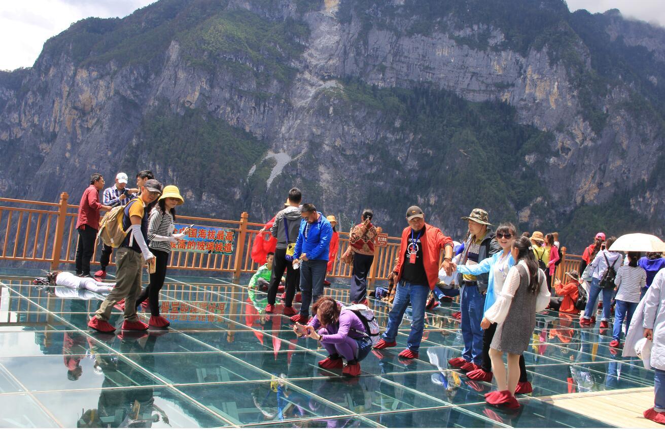 今年1至7月香格里拉市接待国内外游客超1000万人次