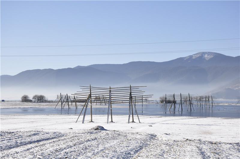 香格里拉迎来今冬首场降雪,未来一周还将出现一次小雪天气