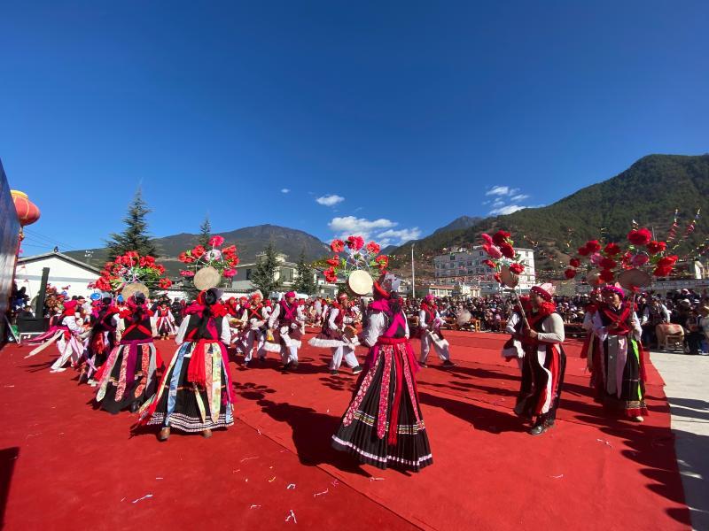 上江乡举办第四届勒巴舞传统民俗文化艺术节