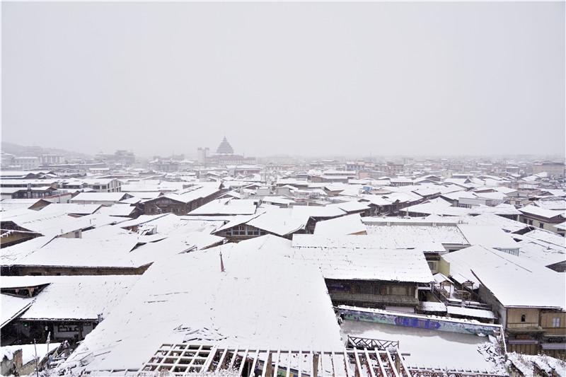 迪庆高原普降大雪