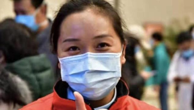 """""""最美逆行者""""——云南援鄂医疗队有一位迪庆姑娘"""