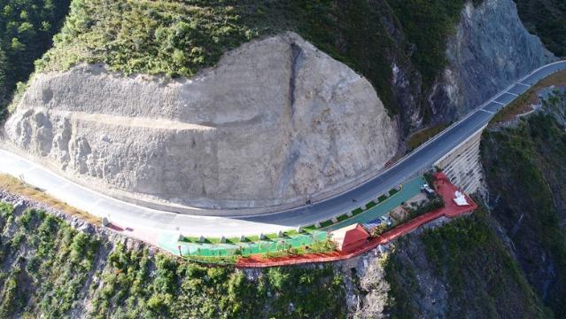 迪庆以观景台建设提升全域旅游公共服务水平