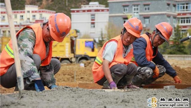 """香格里拉市""""五一""""期间重点项目建设不停工"""