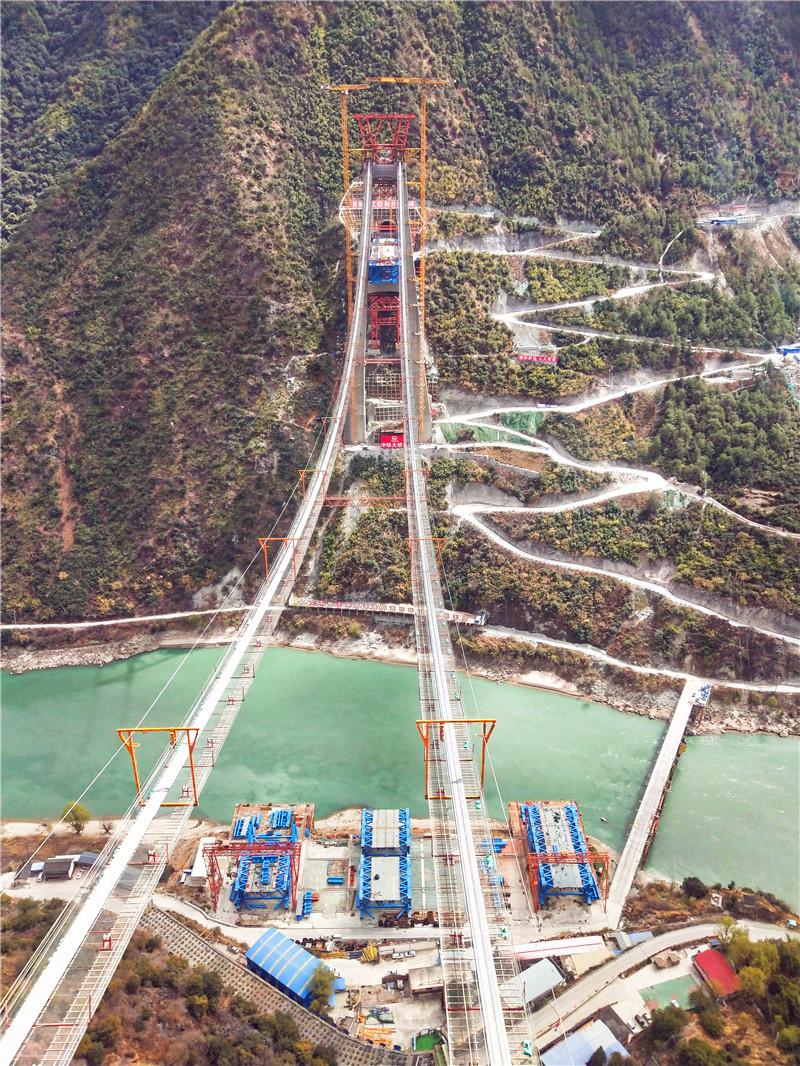 丽香铁路金沙江特大桥今年底将具备铺架条件