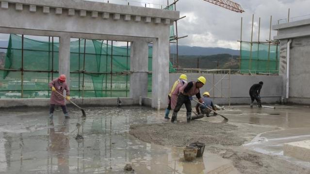 香格里拉市人民医院综合楼有望月底完工