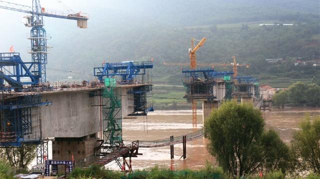 开发区礼仁大桥明年将建成通车
