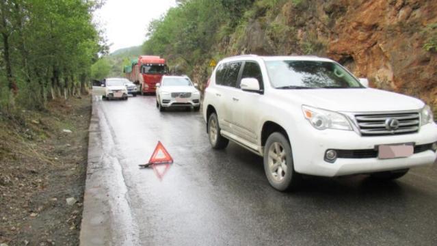 事故频发!行经拉市老路的车辆请慢行!