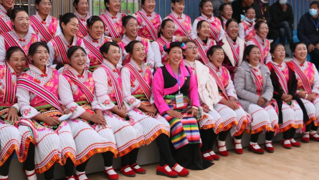 维西傈僳族同胞欢庆阔时节