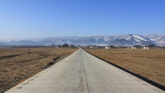 香格里拉市加大通村通组交通建设