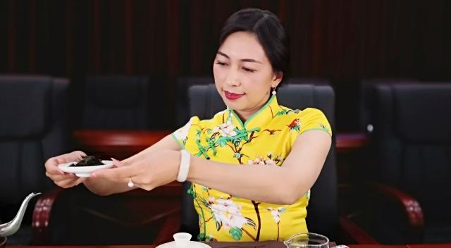 """""""茶艺飘香·美丽香格里拉""""职工茶艺培训班在香格里拉市开班"""
