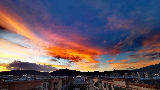 惊艳!迪庆高原的天,香格里拉的云