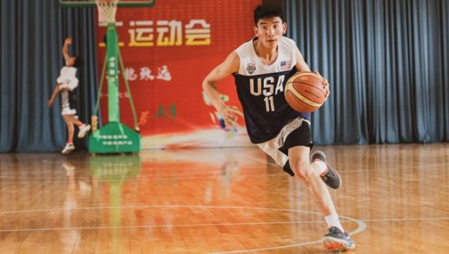 迪庆州少体校男子篮球队备战省运会