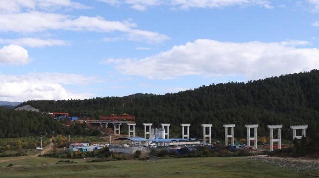 新香维二级公路(益松至仓觉段)建设正有序推进中
